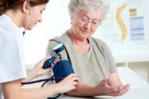 Опекунство над пожилым человеком - бесценный труд, стать причастным к которому можно посредством принятия серьезного решения и прохождения ряда бюрократических процедур
