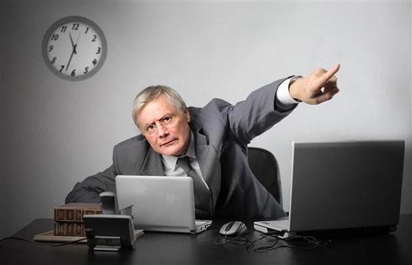 Если работник уходит в другое место, ему полагается выдача средств