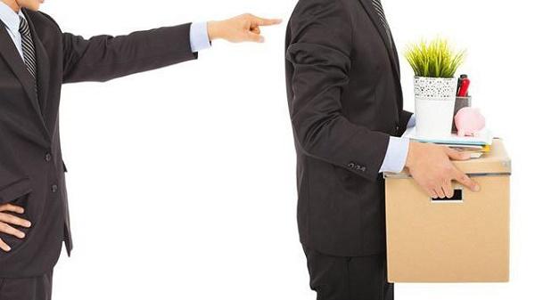 Налоговый кодекс гласит, что отчисление и перечисление в государственную казну налога подоходного обязано производиться организацией в день выдачи сотруднику полагающихся денег