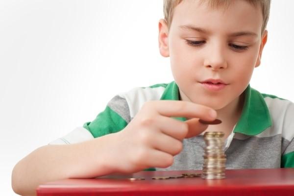 Родители имеют право на автоматические налоговые вычеты