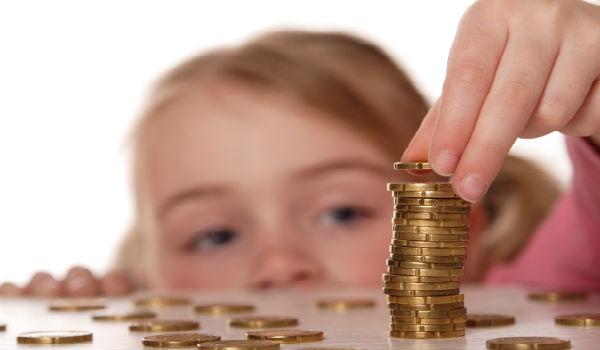 Хотим обратить ваше внимание, что положенные за каждого ребенка суммы – это величина вычета, а не фактически предоставляемые гражданину денежные средства, как думают многие граждане