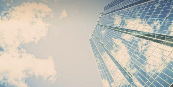 Торговыми центрами считаются обособленно стоящие постройки нежилого предназначения, в которых размещены торговые, общепитовские или точки предоставления услуг
