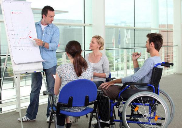 При этом состоящие в организации инвалиды должны насчитываться в количестве не менее 80% от всего состава