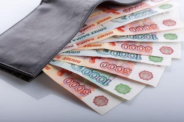 Выплаты аванса в рамках ГПХ соглашения и трудового соглашения имеют ряд отличий