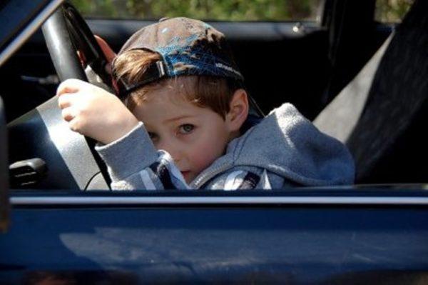 Если автомобилем владеет ребенок, налог всё равно придётся заплатить