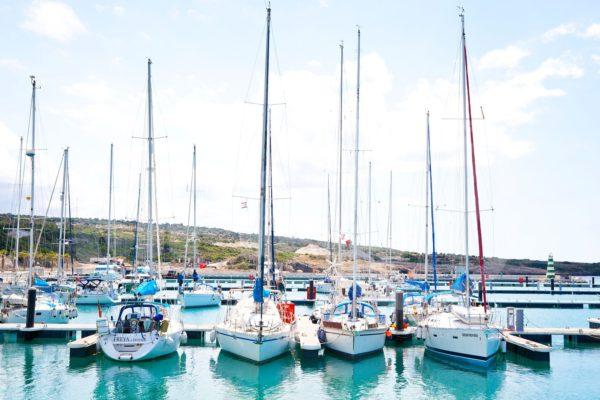 Так, яхт-клубы предоставляют клиентам в аренду лодки, катера, яхты, следовательно, за каждое наименование они обязаны отчислять государству налог на транспорт по установленным ставкам