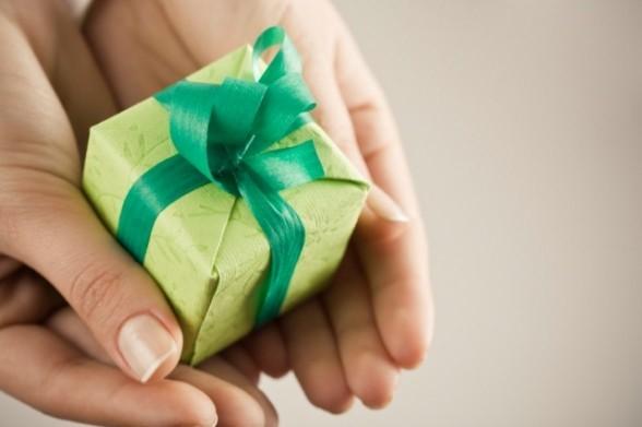 Презент от руководителя – повод заплатить дарственный налог