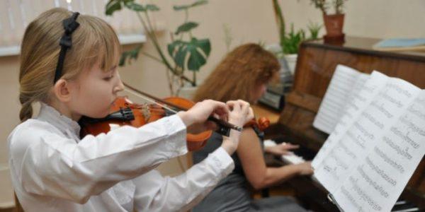 Возврат правомерен, если ребёнок учится музыке, языкам или творчеству