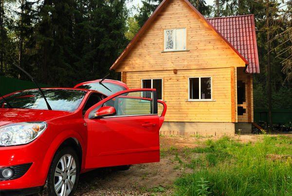 Последний вариант нередко выбирают дачники, которые пользуются автомобилем только в тёплое время года