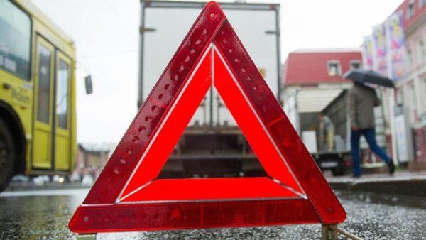 Аварийный знак должен не далее, чем, чем в 15 метрах от транспортного средства при аварии в городе