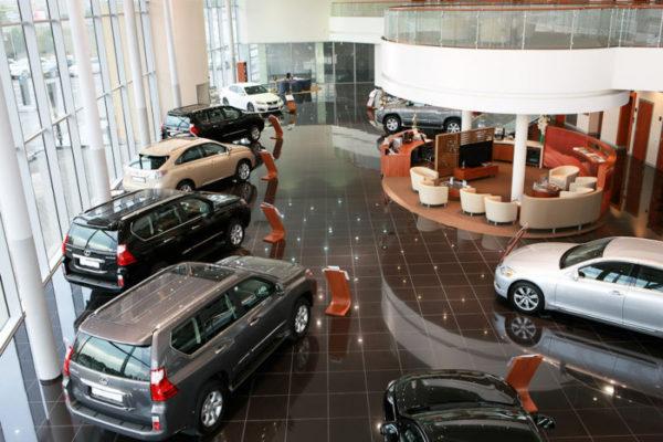 Часто автосалон предоставляют гарантию на авто от 3 до 5 лет