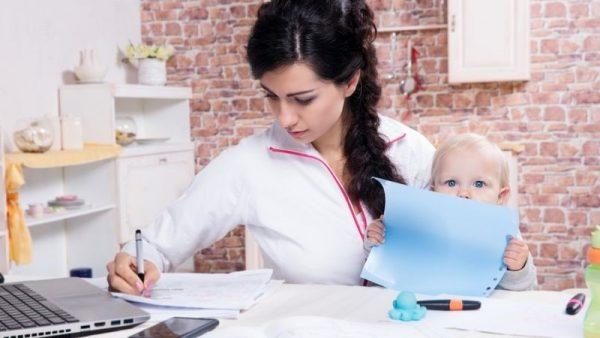 Пользуясь сервисом, можно уточнить задолженность по алиментам, а также точную сумму платежей не выходя из дома
