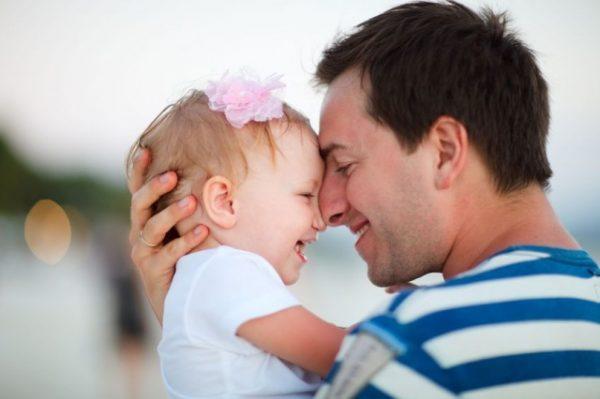 Суд может оставить право воспитания детей за отцом