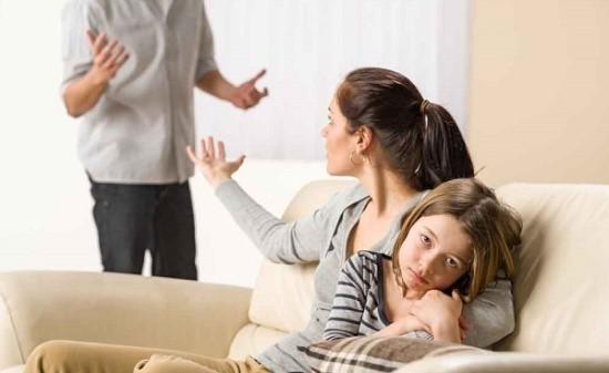 На практике при отсутствии споров между мужем и женой этот способ может быть проще и удобнее