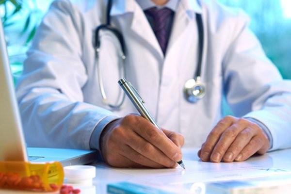 Каких врачей нужно пройти для получения медсправки