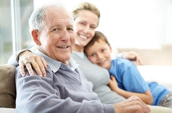 Выросших внуков закон может обязать содержать бабушек и дедушек
