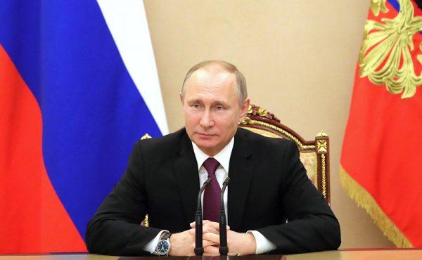 Сотрудники назначаются на должности указанной группы непосредственно Президентом, правительством РФ, руководством государственного органа федерального значения
