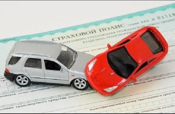 Если вы попадете в аварию, не оформив страховку, оплачивать ущерб придется из собственного кармана