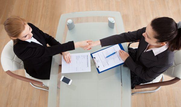 Незаконным является требование подписать договор после испытательного срока