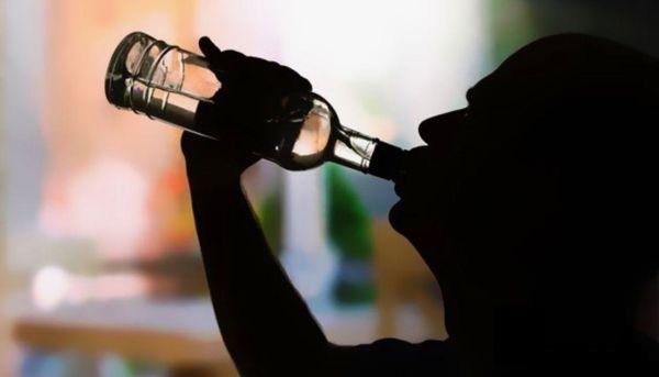 Распитие спиртных напитков - настоящая проблема для нашей страны