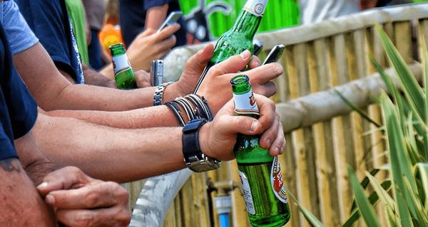 Распитие спиртных напитков в общественном месте