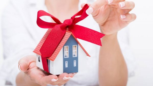 Налог с продажи квартиры может побудить стороны использовать притворную сделку дарения