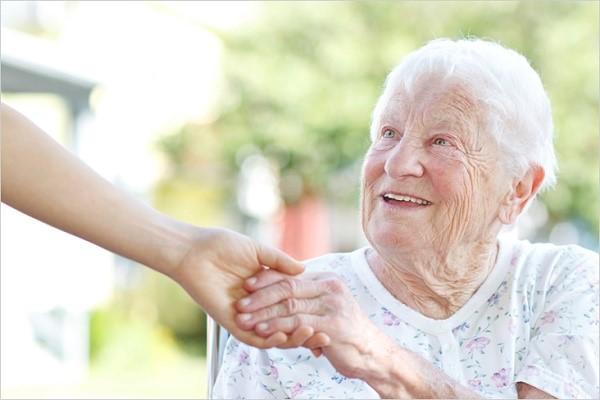 Патронаж над пожилым человеком после 80 лет