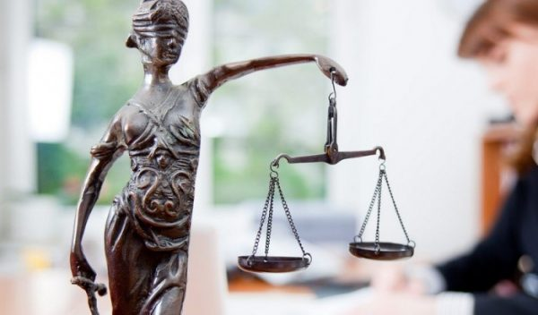 Распределение материальных благ производится согласно правилам, указанным в законе