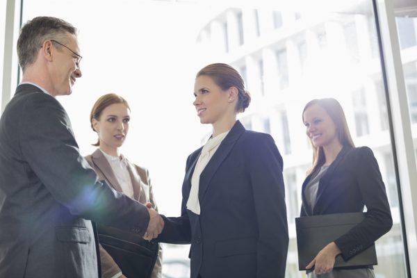 Указанные профессиональные и служебные связи нужно принимать во внимание, так как они тоже могут порождать заинтересованность в исходе дела и препятствовать объективному ведению разбирательства