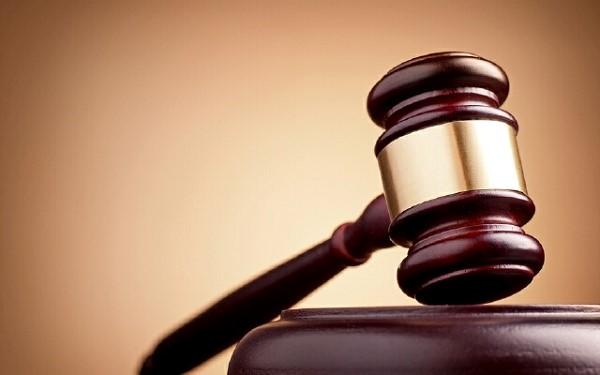 Если будет понятно, что отец пытается обмануть своего отпрыска, а вместе с ним и судью, то решение все же будет принято не в его пользу