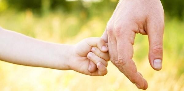 При лишении прав единственного из родителей, ребенка могут усыновить не кровные родственники