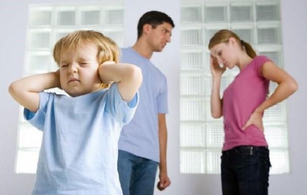 Неплательщиком по закону может стать не только отец, но и мать