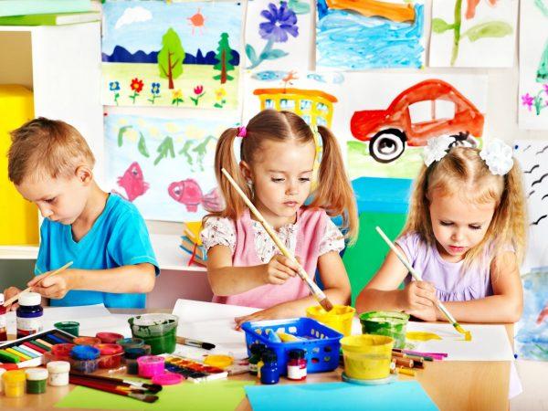 Детский налоговый вычет предоставляется по месту работы одного из родителей