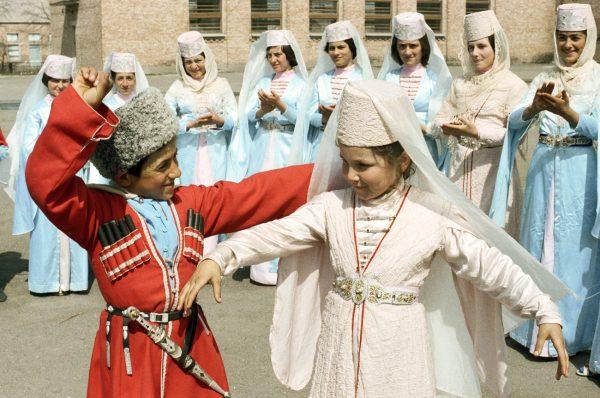 Семьи на юге России в основном многодетные, поэтому пособия на детей небольшие
