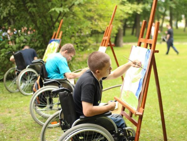 Сертификатом можно оплачивать товары и услуги для адаптации детей-инвалидов