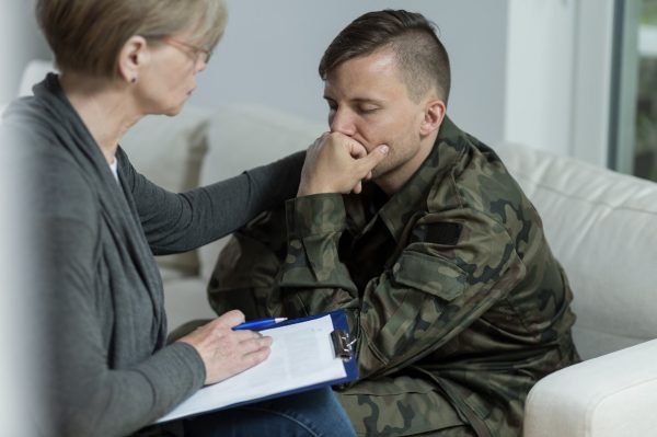 Проявить инициативу с увольнением могут военные с тяжелыми формами заболеваний