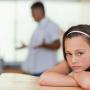 Не спешите подавать на отца своего ребенка иск ради открытия уголовного дела, лучше всего начать с инициации административного процесса