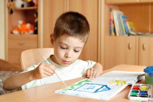 Прописка ребенка возможна параллельна с регистрацией взрослых – папы и мамы