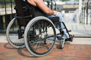 Нетрудоспособные лица пишут заявление на социальные пенсии